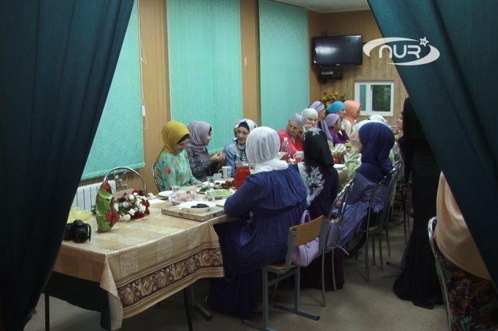 Для чего собираются мусульманки в Рамадан?