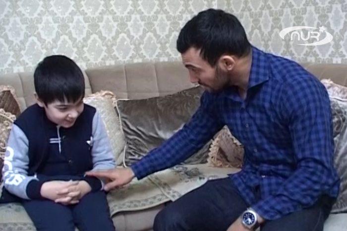 Чемпион призвал помочь мальчику-инвалиду