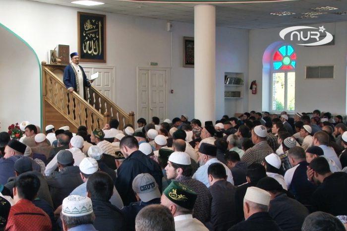 Путин поздравил саратовских мусульман с Ураза-байрамом