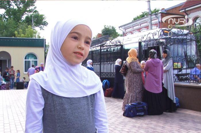 Зачем девочки едут в мусульманский лагерь?