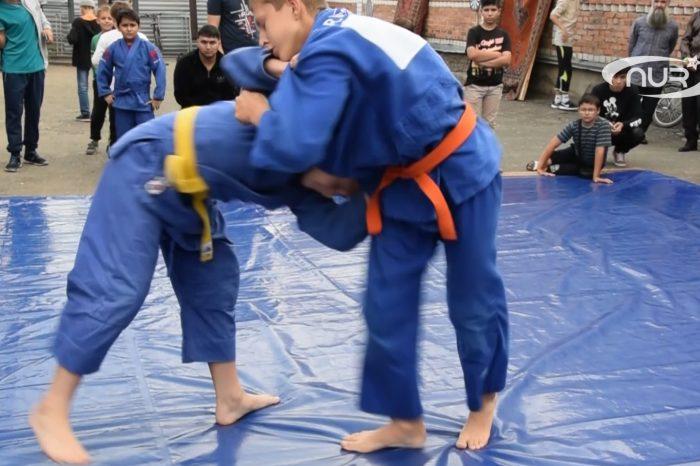 В Ульяновской мечети прошли состязания по борьбе