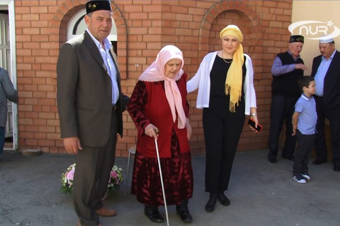 Путин поздравил 90-летнюю мусульманку