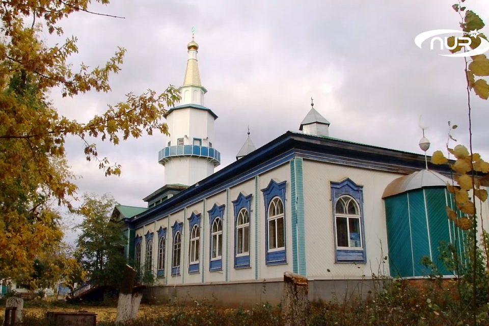 Вековая мечеть обрела новый минарет
