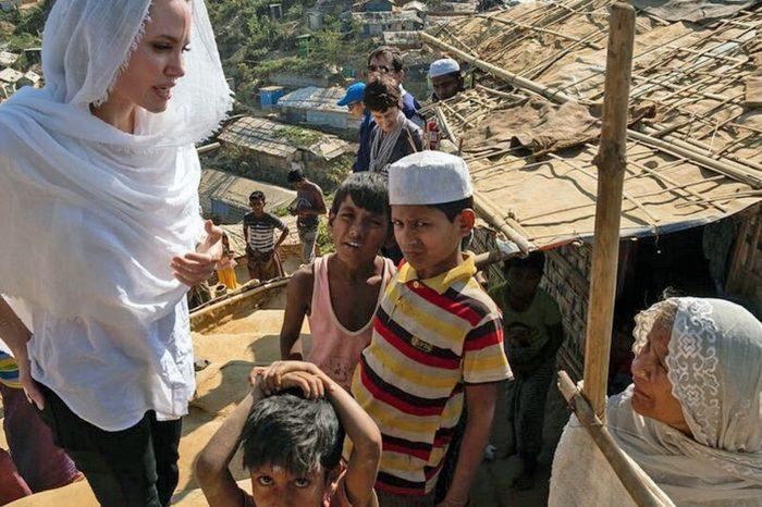 ТОП-5: Анжелина Джоли навестила беженцев Мьянмы