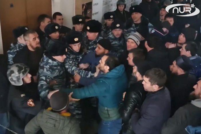 Имамы голодают в знак протеста