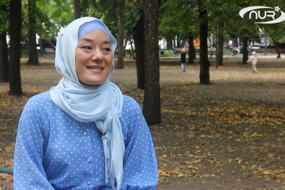 Через насмешки к успеху: история мусульманки в хиджабе