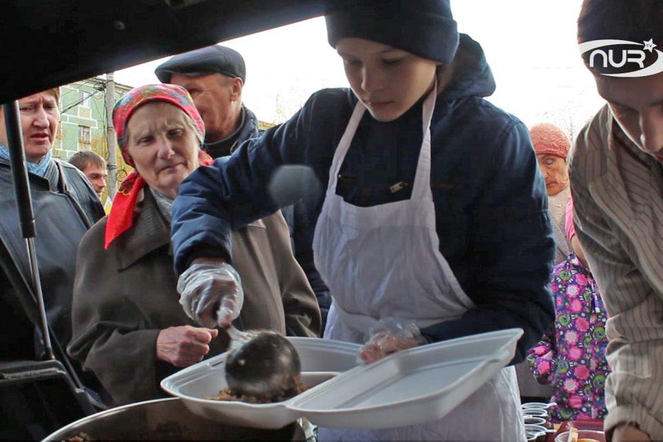 Мусульмане Сызрани бесплатно кормят малоимущих