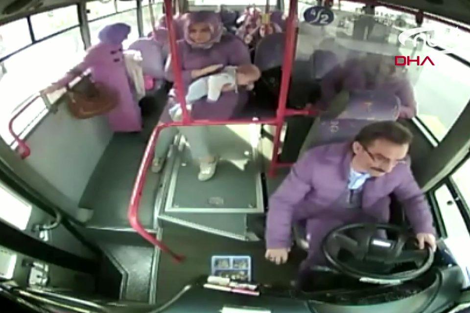 Водитель автобуса спас младенца!