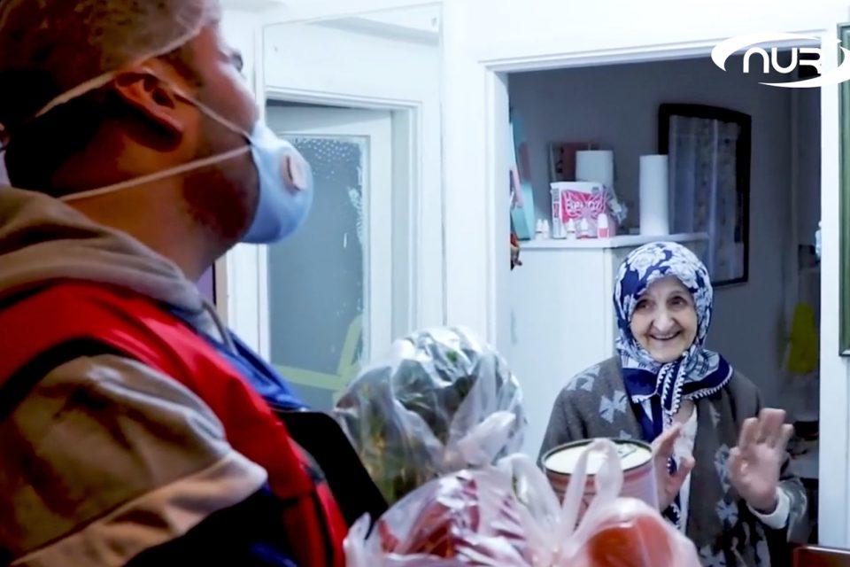 Турецкий шеф-повар раздал тонны еды старикам