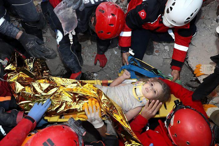 Чудо Всевышнего: девочка выжила после 4 дней под завалами!
