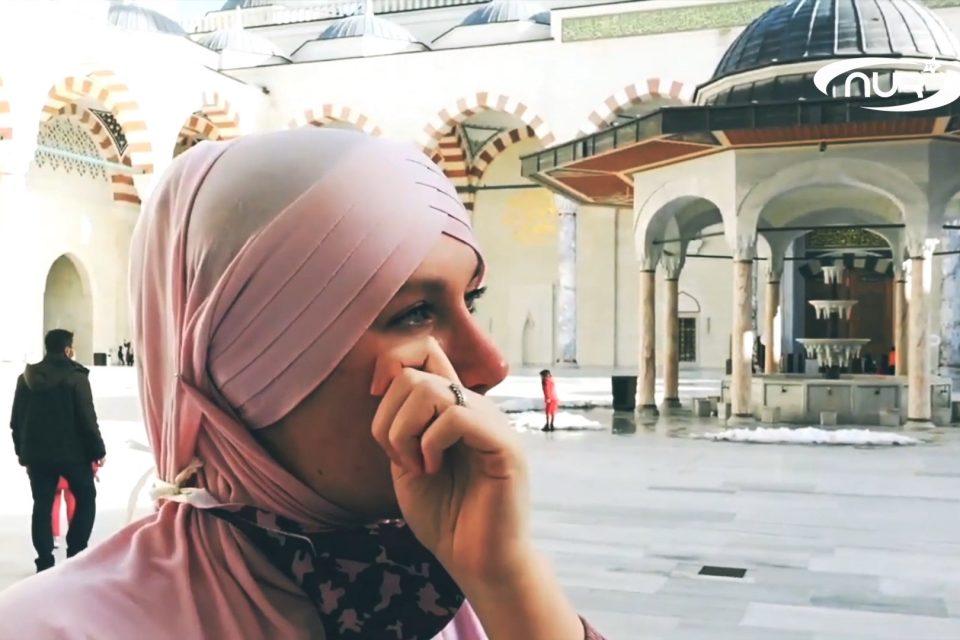 Британка приняла Ислам, посетив ЭТУ мечеть!